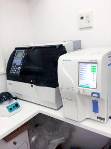 自動血球計算装置・生化学検査装置